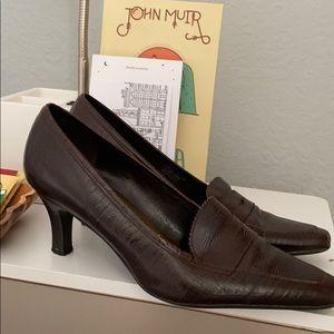 Etienne aigner brown mid heel loafer croc